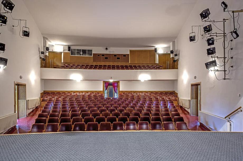 Kolárovo divadlo